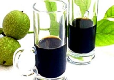 Likjor-ot-zeleni-oreh4eta-300x211.jpg